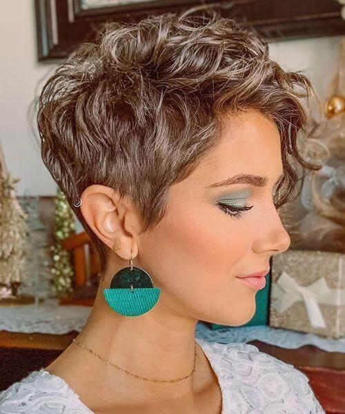 2021 Short Haircuts For Curly Hair - 20+ » Trendiem
